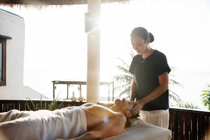 Learn the art of massage therapy in Baton Rouge.